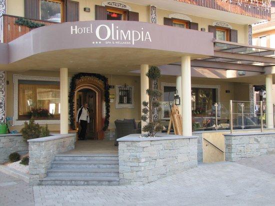 Olimpia Hotel Bormio: Ingresso