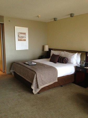 Sofitel Melbourne on Collins: Bedroom - corner suite