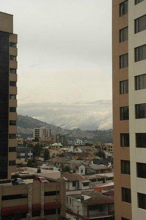 NH Collection Quito Royal: Вид из окна отеля