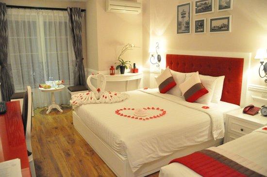 Calypso Suites Hotel: The room decor :)