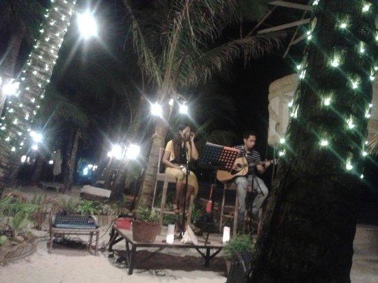 Ambassador in Paradise Resort: Live Musik