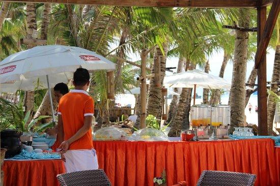 Ambassador in Paradise Resort: Frühstück