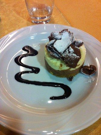 Rifugio Solander: Il dolce della prima sera...indescrivible! Tocca assaggiarlo!