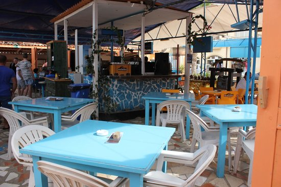 Hotel Oasis Belorizonte: le bistro du village.