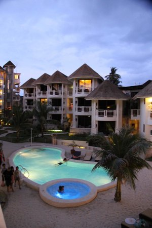 Ambassador in Paradise Resort: Hotel