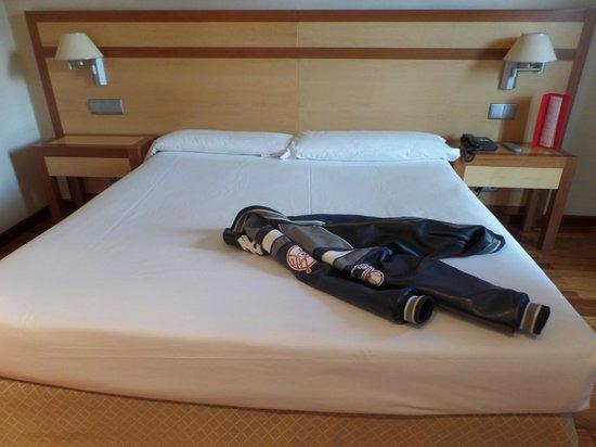 ILUNION Alcalá Norte: Una cama enorme