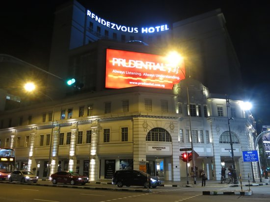 Rendezvous Hotel Singapore by Far East Hospitality: Rendezvous Hotel SG: Exterior View