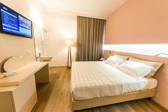 Hotel de la Ville : CAMERA MATRIMONIALE COMFORT PLUS