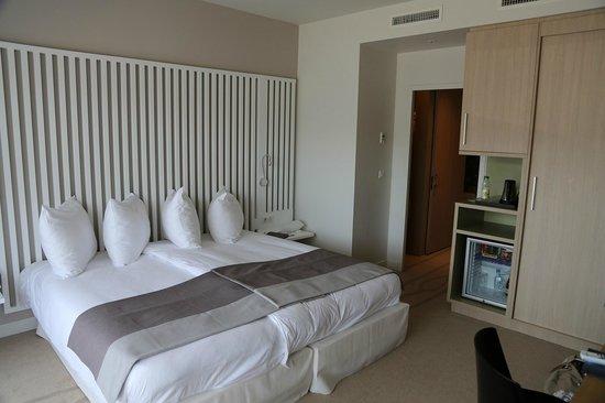 Radisson Blu Resort & Spa, Ajaccio Bay : notre chambre (coté montagne)