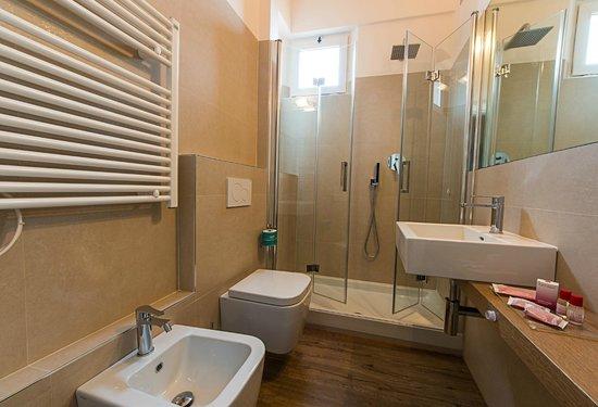 Hotel de la Ville : BAGNO CAMERA COMFORT PLUS
