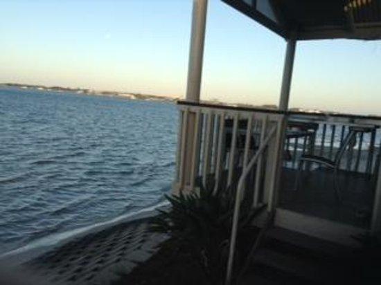 Broadwater Tourist Park: Villa 211 Tides in