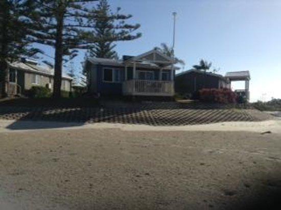 Broadwater Tourist Park: Villa 211 Tides out