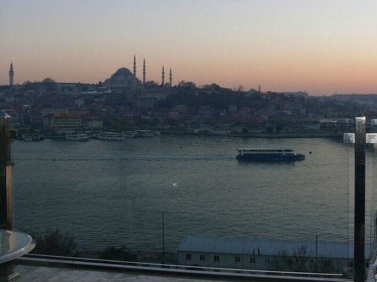 Istanbul Golden City Hotel: view on golden horn bay1