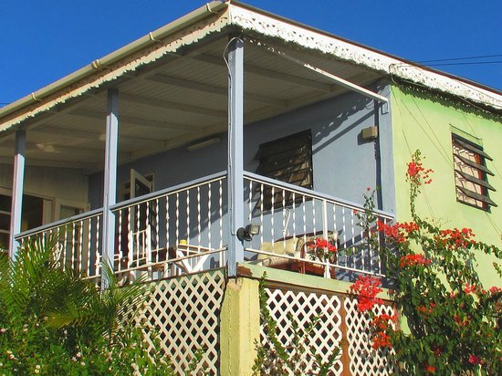 Itassi Cottages : Exterior view of 2-bedroom cottage