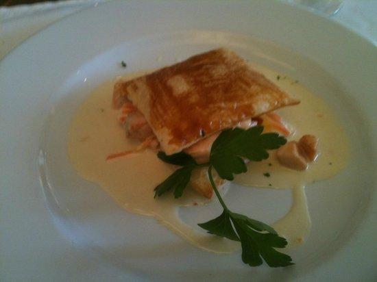 Romantik Hotel de l'Ours : Feuilleté de saumon
