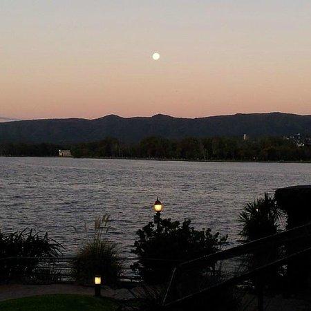 Lake Buenavista Resort: Vista del atardecer desde el dpto