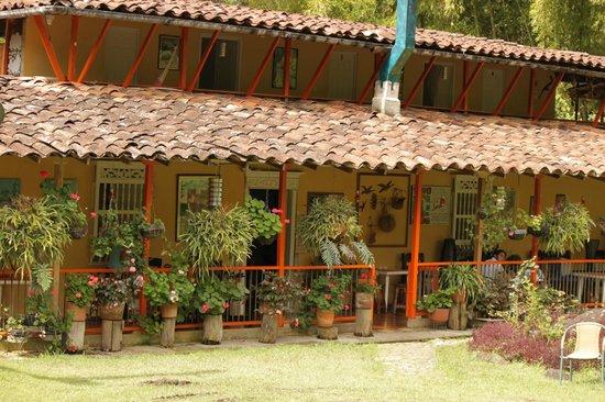 Kantarrana el jard n antioquia picture of kantarrana for Modelos de jardines en casa