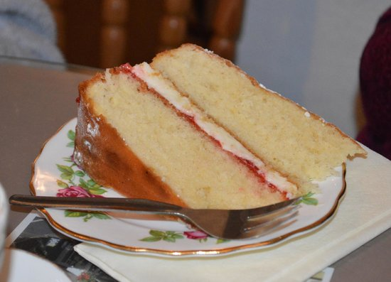 Lion Rock Tea Rooms: Two pieces wouldn't be greedy!