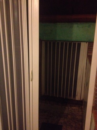 Residence Casa Italia: Shower area..