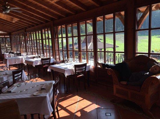 Hotel & Spa Etxegana: Salón con impresionantes vistas