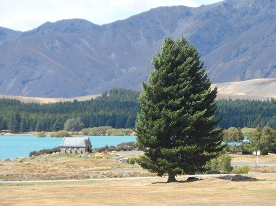 Lake Tekapo Village Motel: View from Balcony