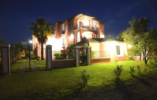 Aparthotel Villa Peonia