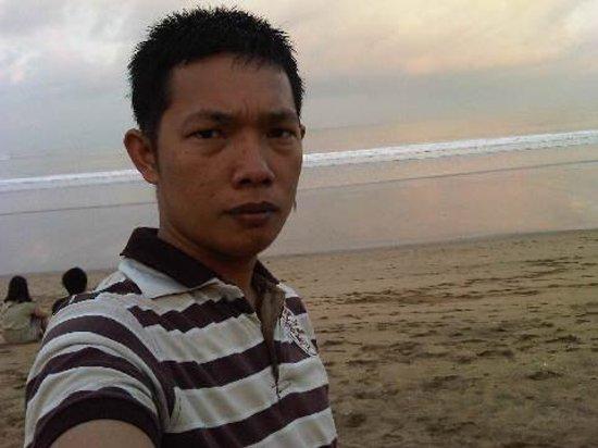 Kuta Beach - Bali : happy kuta beach