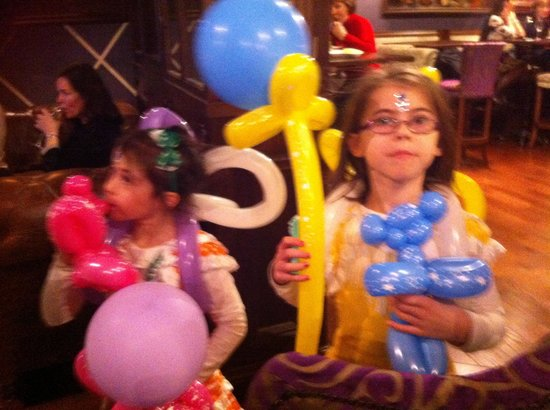 The Inn at Dromoland: The girls with captain jacks balloons
