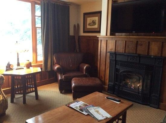 The Whiteface Lodge : sitting area