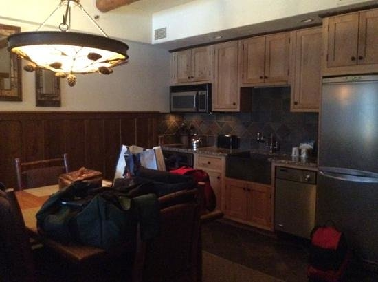 The Whiteface Lodge : kitchen