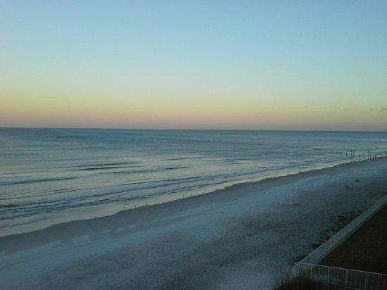 Ocean Trillium Suites: balcony view
