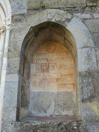 Chiesa di San Nicolo di Capodimonte : Piccola alcova sulla facciata esterna