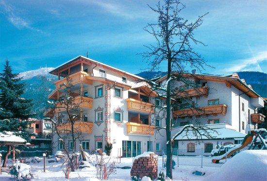Hotel Enzian: Exterior view