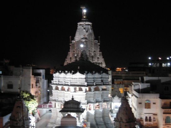 Mayur Cafe Roof Top Restaurant : Jagdish Temple view from the restaurant