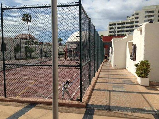 HD Parque Cristobal Tenerife: Play field