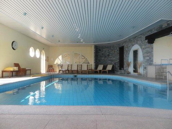 Park Hotel Delta Wellbeing Resort: Schwimmbad in schöner Atmosphäre
