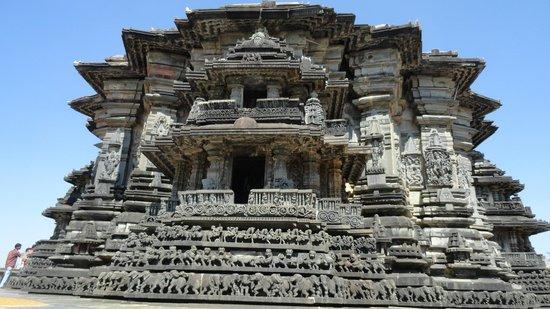 Chennakesava Temple: temple view