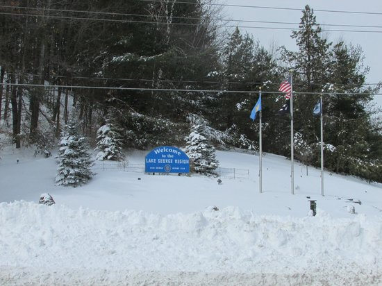 Lake George RV Park : Welcome corner exit 21 Feb 2014