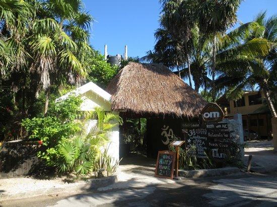 Om Tulum Hotel Cabanas and Beach Club: Entrance