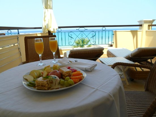 Delfino Blu Boutique Hotel: our balcony and welcome platter