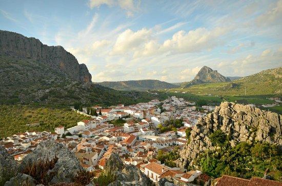 Casitas de la Sierra : One of the spectacular views from Montejaque's Mirador.