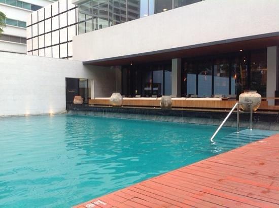 COMO Metropolitan Bangkok: la piscine