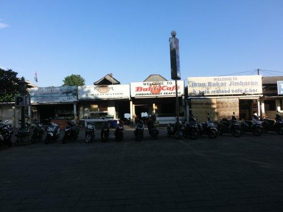 Le Meridien Bali Jimbaran : Jimbaran beach restaurants - Behind Meridien Property