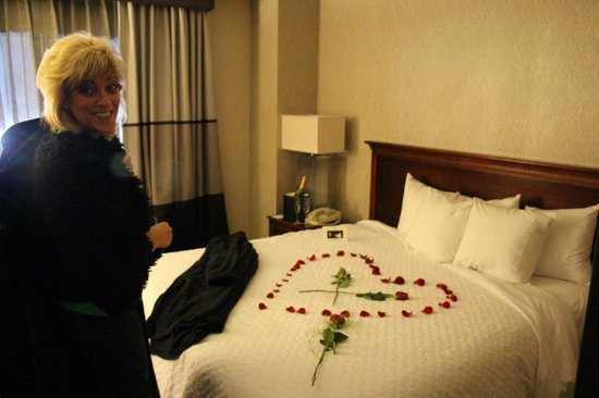 Embassy Suites by Hilton Dulles Airport: Our special Valentine's Day surprise from the staff.  Wife was speechless!