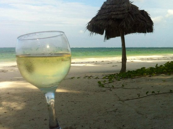 Twisted Palms Lodge & Restaurant : Bwejuu Beach