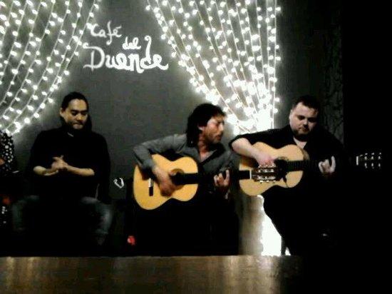 Cafe del Duende: chitarrista e cantante