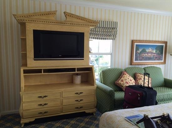 Disney's BoardWalk Inn: room with couch