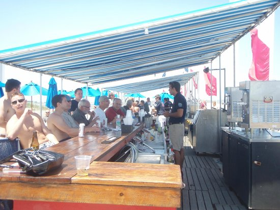 Ballard's: Fun at the Outside Bar