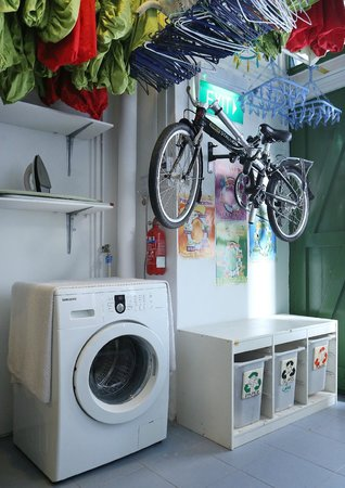 Tree In Lodge: Laundry facility and recycling corner