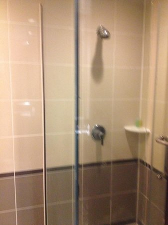Bayview Hotel Georgetown Penang: シャワー